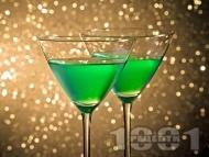 Коктейл After Dark Martini с водка, вермут и мента